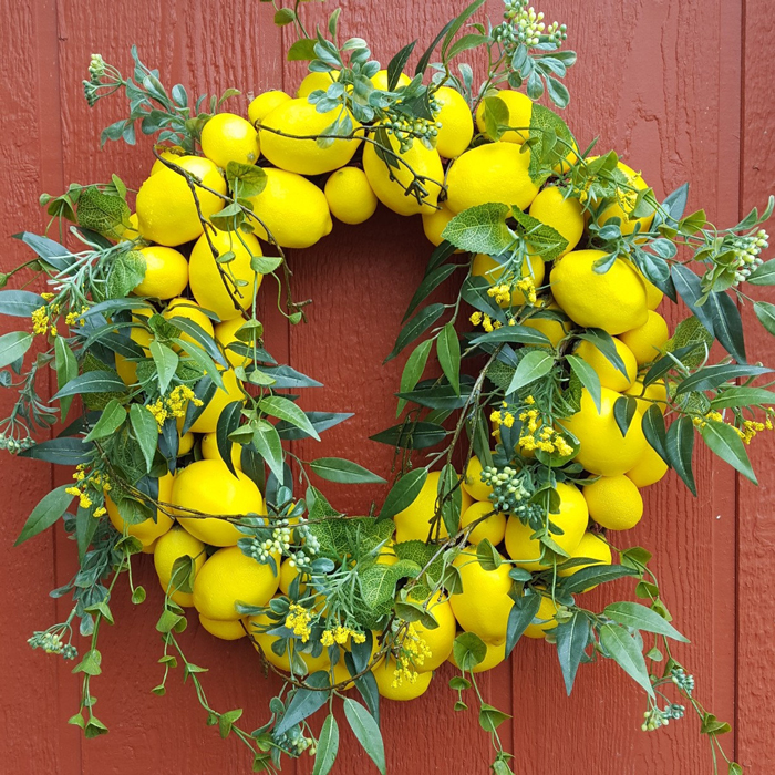 floral-decor-for-home-with-lemons-fruity-and-floral-decorations