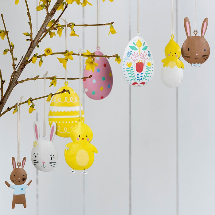 hanging-Easter-decorations