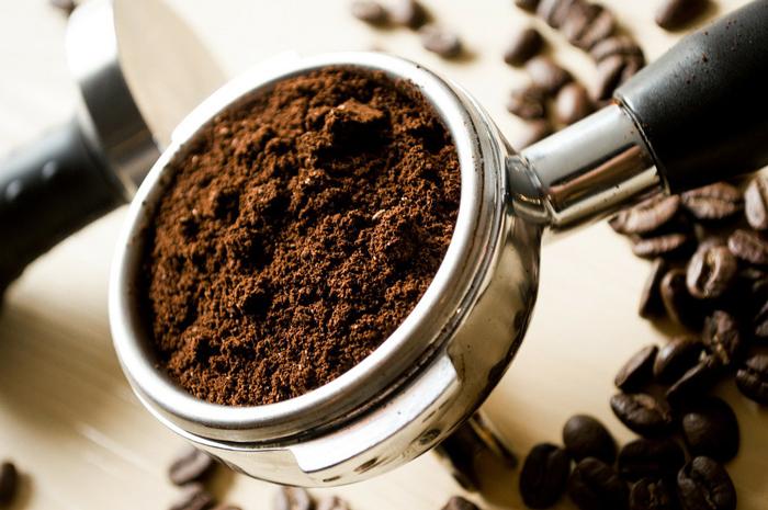 homemade-anti-cellulite-coffee-scrub
