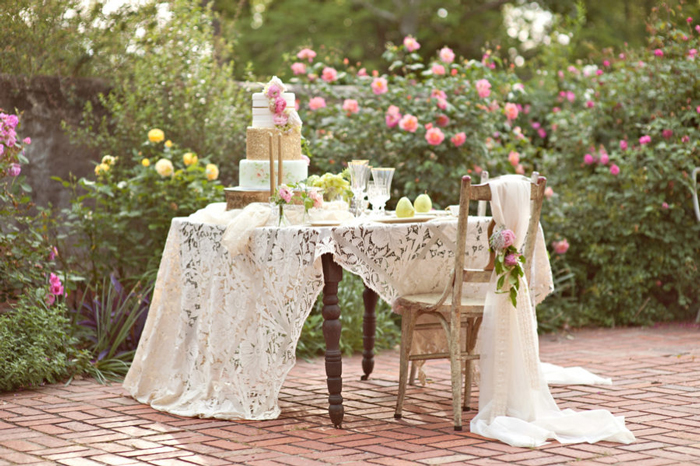 outdoor-shabby-chic-table-decoration-ideas