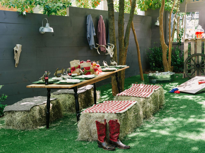 DIY-Cowboy-Party-Outdoor-Ideas-Backyard-Decorations