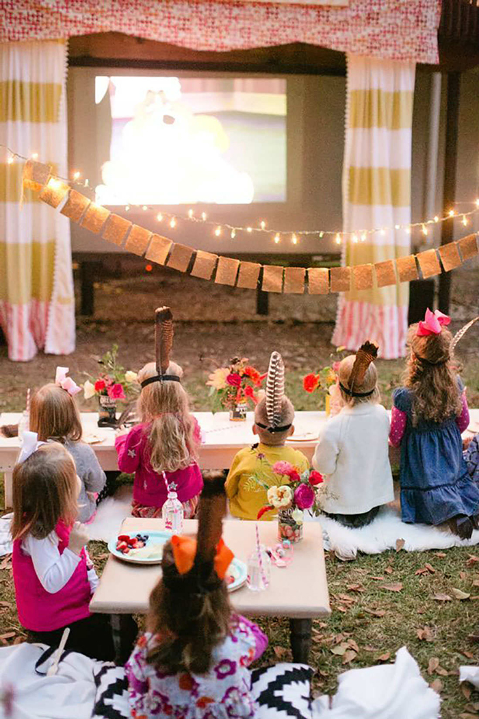 Kids-Backyard-Party-Ideas-Cinema-Outdoor