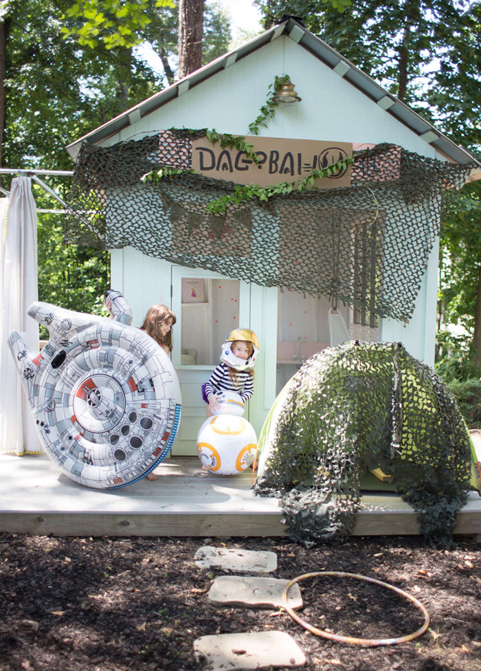 Outdoor-Kids-Birthday-Party-Ideas-Star-Wars-Costumes