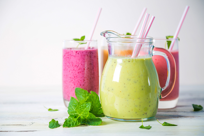 energizing-green-and-pink-smoothies