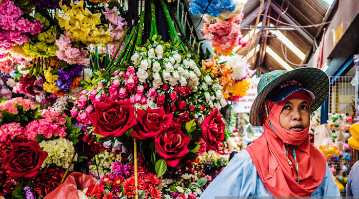 Chatuchak-Market-Bangkok-Artificial-Flower-Shop