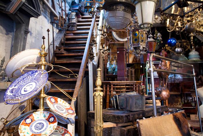 Les-Puces-de-Saint-Ouen-market