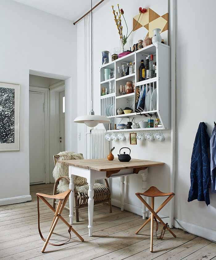Scandinavian-Home-with-Cottage-Design