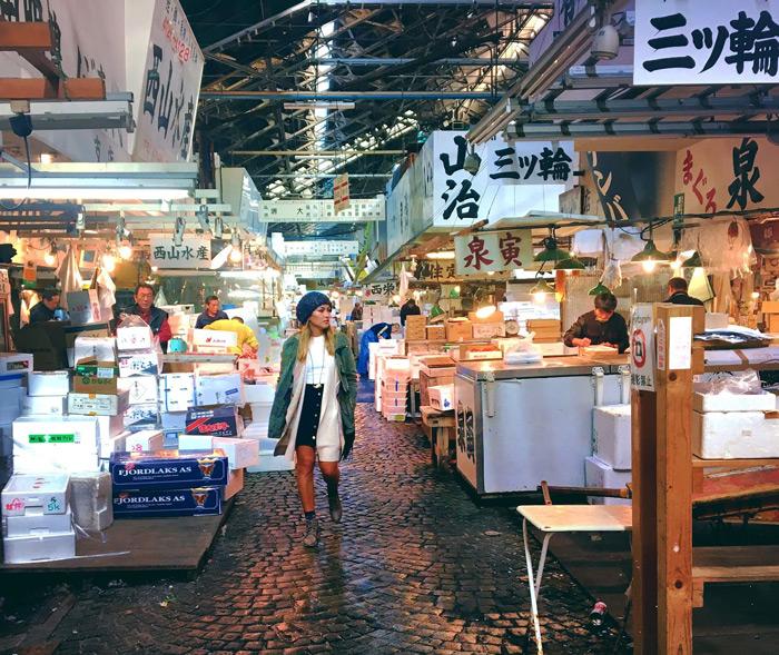 Tsukiji-Fish-Market-Tokyo-Big-Fish-Market-in-Asia