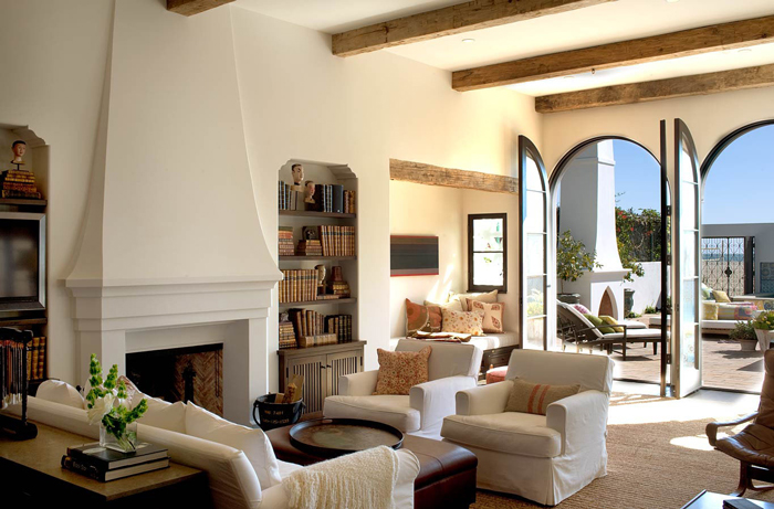 charming-mediterranean-living-room