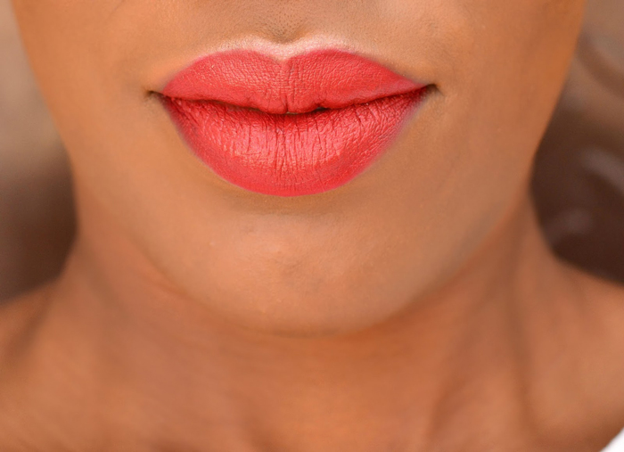 picking-the-right-lip-color-how-to-be-more-seductive