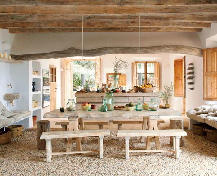 rustic-dining-room-in-mediterranean-style