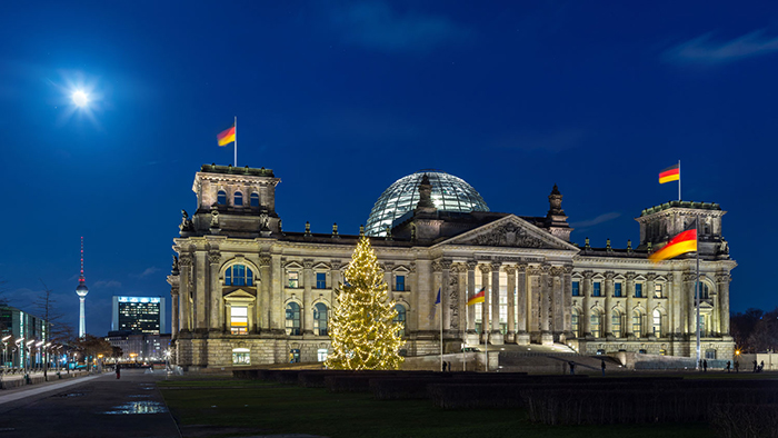 Berlin-Outdoor-Christmas-Lights-Christmas-Tree