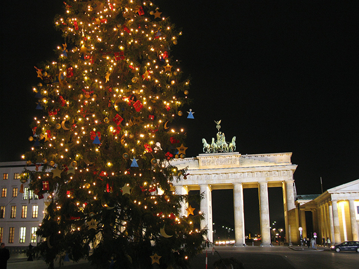 Berlin-Outdoor-Christmas-Tree