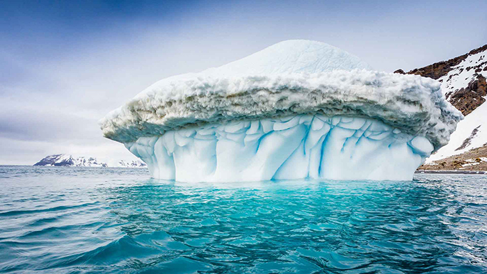 Big-Iceberg-in-Antarctica