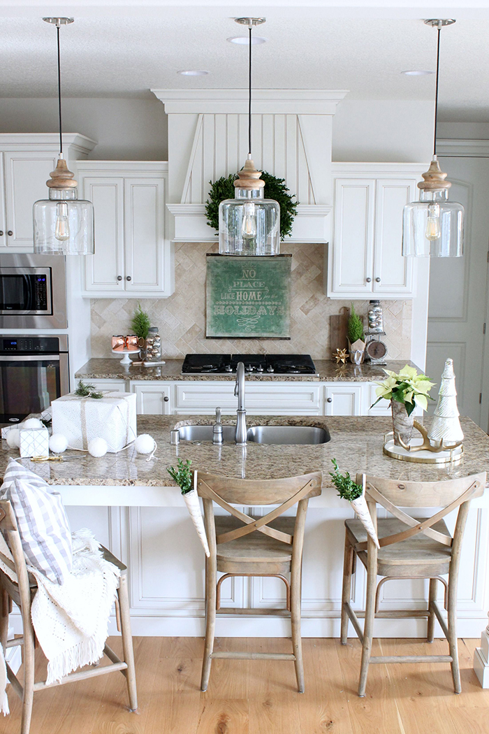 Chic-Vintage-Kitchen-Lights
