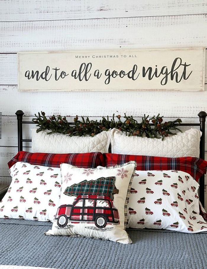 Christmas-Bed-Pillow-Decoration-Ideas