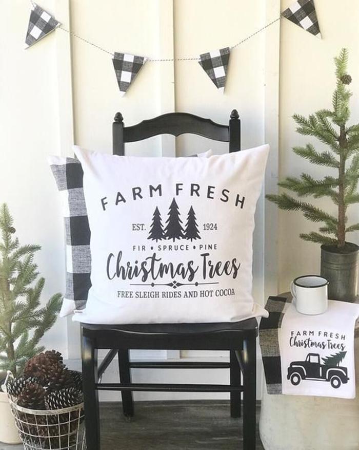 Christmas-Home-Decor-Ideas-Pillow