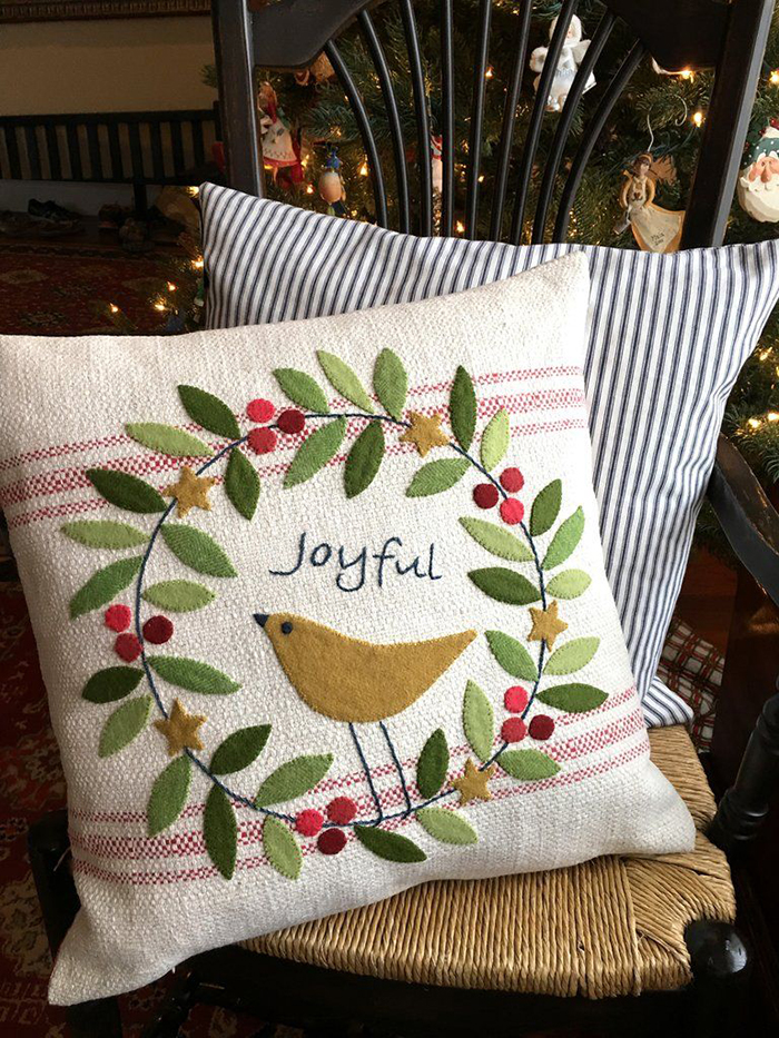 Christmas-Pillow-DIY-Home-Decor