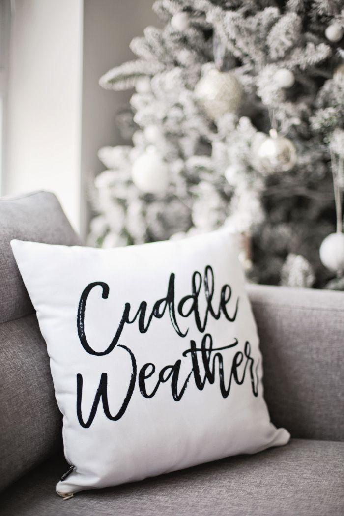 Christmas-White-Home-Decor-Pillo-Inspiration
