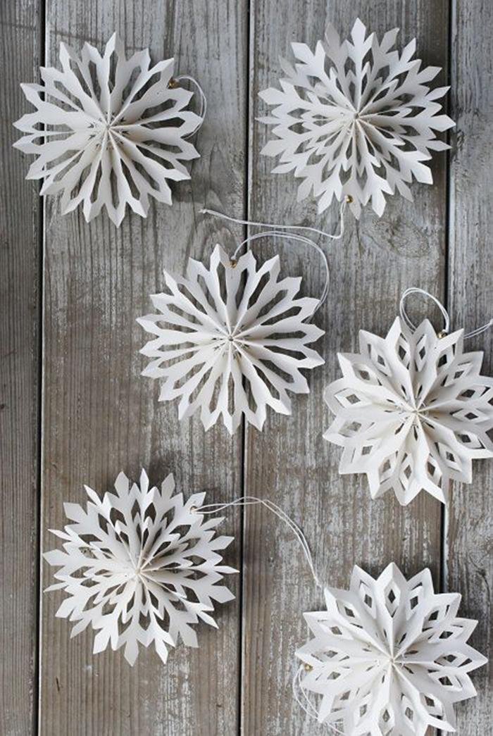 DIY-Paper-Snowflake-Christmas-Tree-Decor