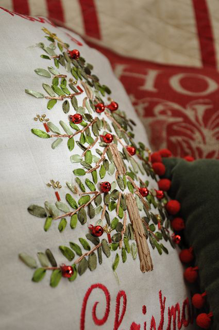 DIY-Pillow-for-Christmas-Home-Decoration