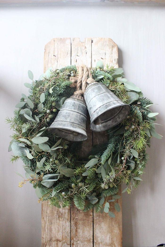 DIY-Wreath-Christmas-Bells