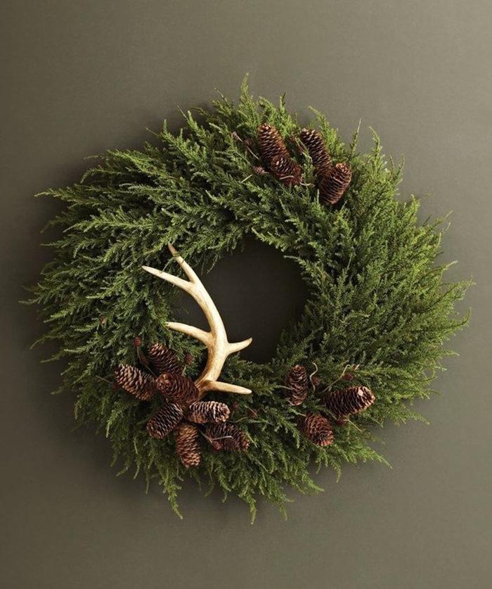 DIY-Wreath-Christmas-Door-Decor-Ideas
