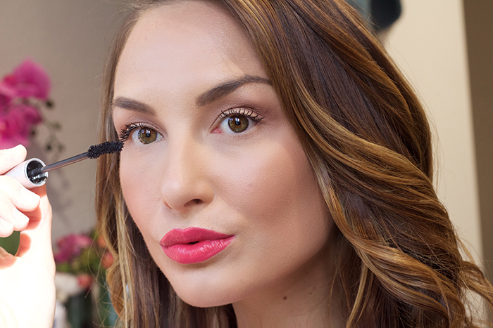 Fresh-Romance-Makeup-Ideas-for-St-Valentines-Day
