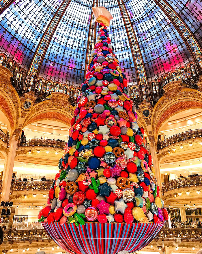 Galleries-Lafayette-Indoor-Christmas-Tree-Paris
