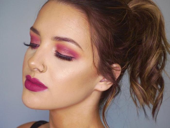Magenta-makeup-palettes