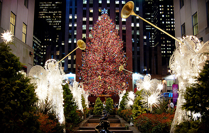 Outdoor-Christmas-Tree-in-New-York-City