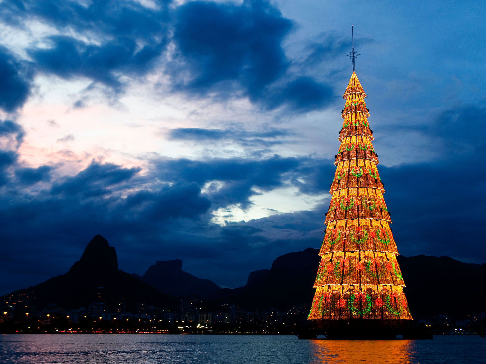 Large Outdoor Christmas Tree in Water Brazil