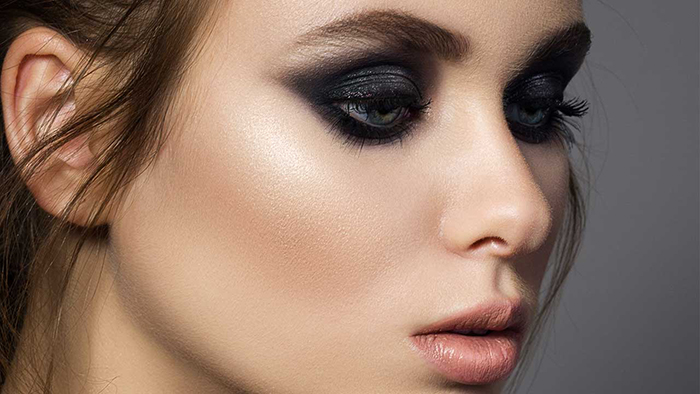 Smokey-Eye-Makeup-Ideas-for-St-Valentines-Day