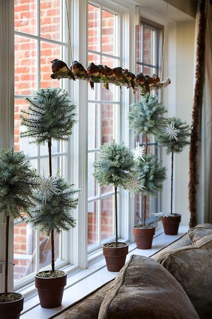 Window-Decoration-for-Christmas-Time