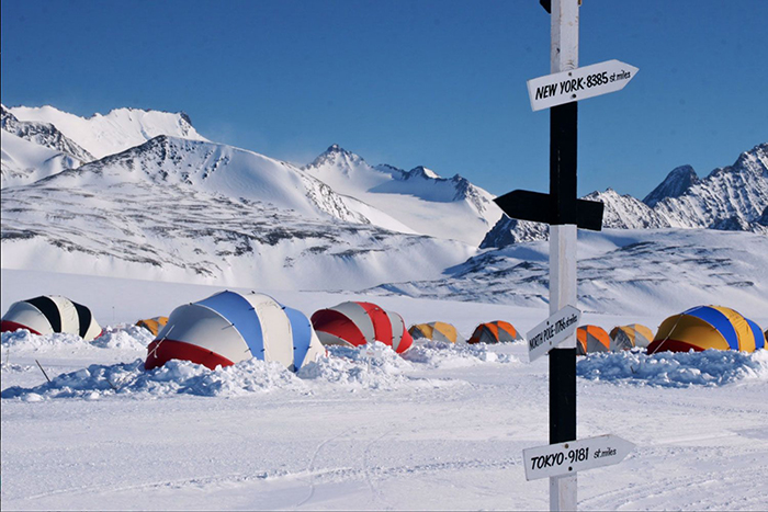 south-pole-and-Antarctica-camps