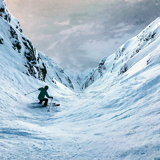 Christmas-Chute,-Alaska-Most-Dangerous-Ski-Slopes-in-the-World