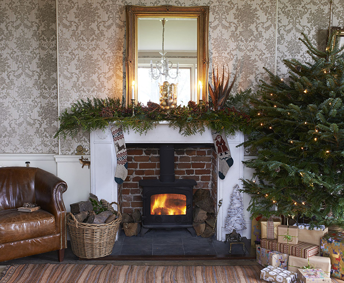 Christmas-Fireplace-Decor-Ideas