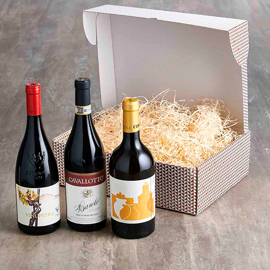 Christmas-Gift-Box-with-organic-Wine