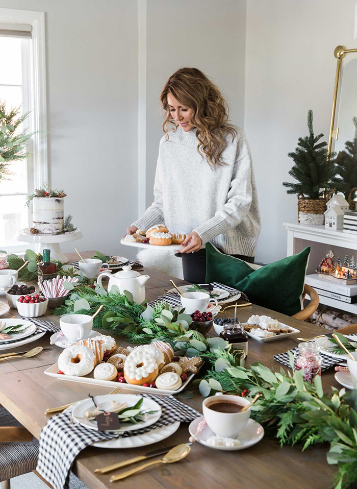 Christmas-Holiday-Festive-Table-Decor-Ideas