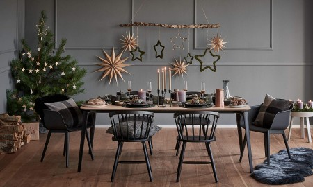 Dark Decor for Christmas Table