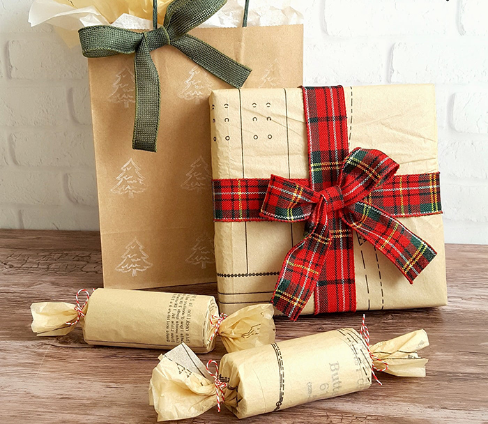 Christmas-Paper-DIY-Wrapping-Inspiration
