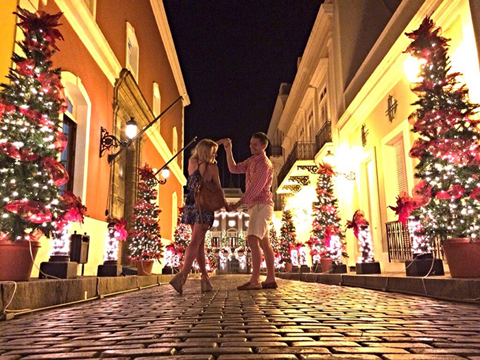Cozy-Christmas-in-San-Juan,-Puerto-Rico