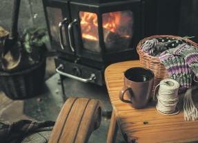 Cozy Christmas Around Fireplace – Tips and Tricks