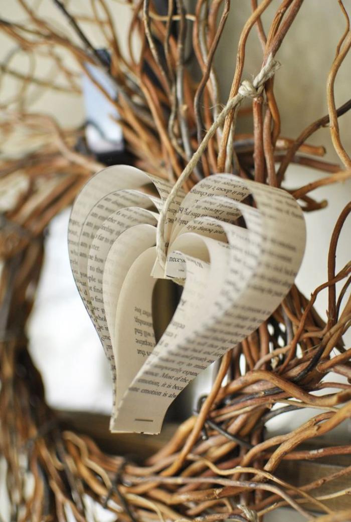 DIY-Paper-Valentine's-Day-Home-Decor-Idea
