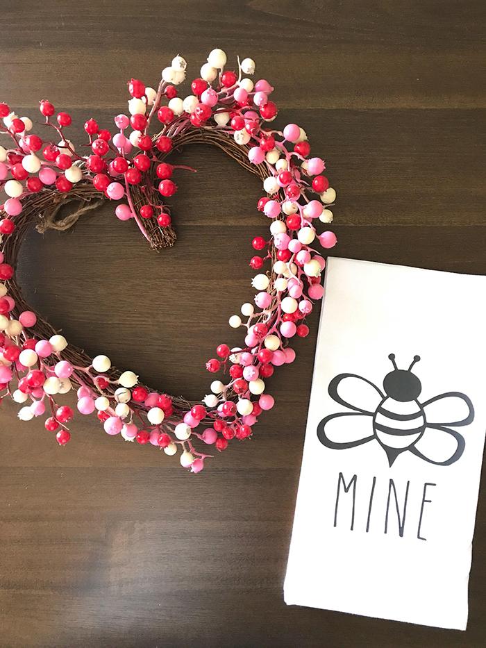 DIY-Valentine's-Day-Door-Wreath