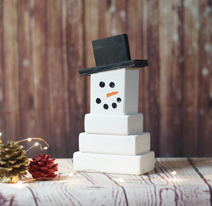 DIY-Wooden-Rustic-Christmas-Ornament-Ideas-Snowman