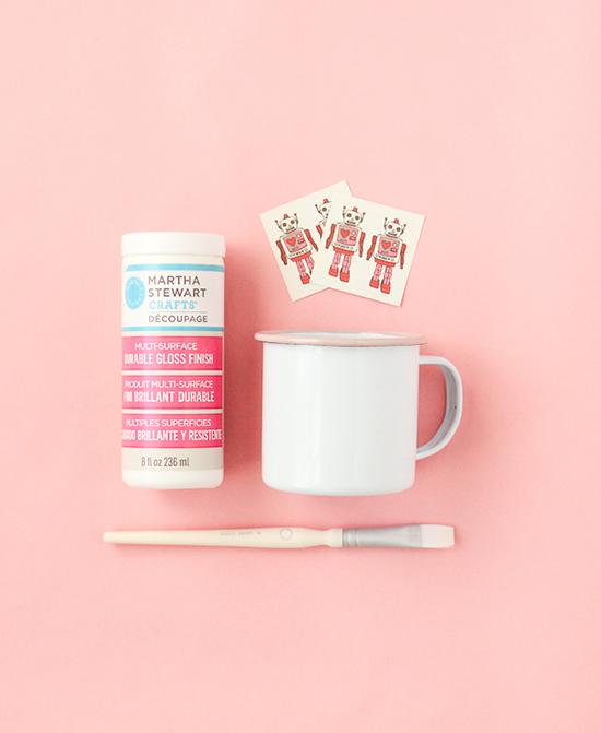 DIY-mug-with-a-decoupage-technique