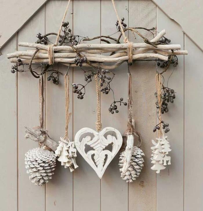 Easy-Wooden-Christmas-Wall-Decor-Ideas