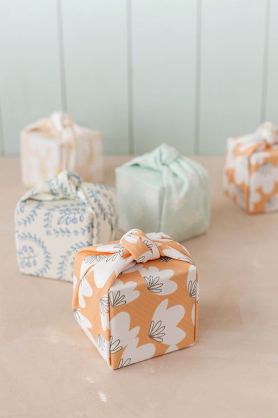 Fabric-Wrapping-Christmas-Gift-Ideas