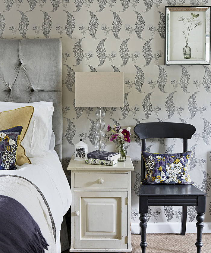 Floral-Wallpaper-Bedroom-Ideas